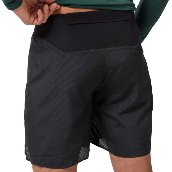 On Lightweight Shorts heren