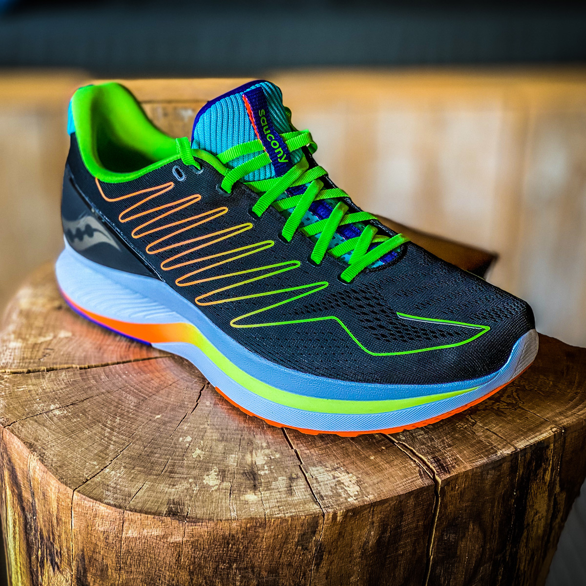 Review Saucony Endorphin Shift