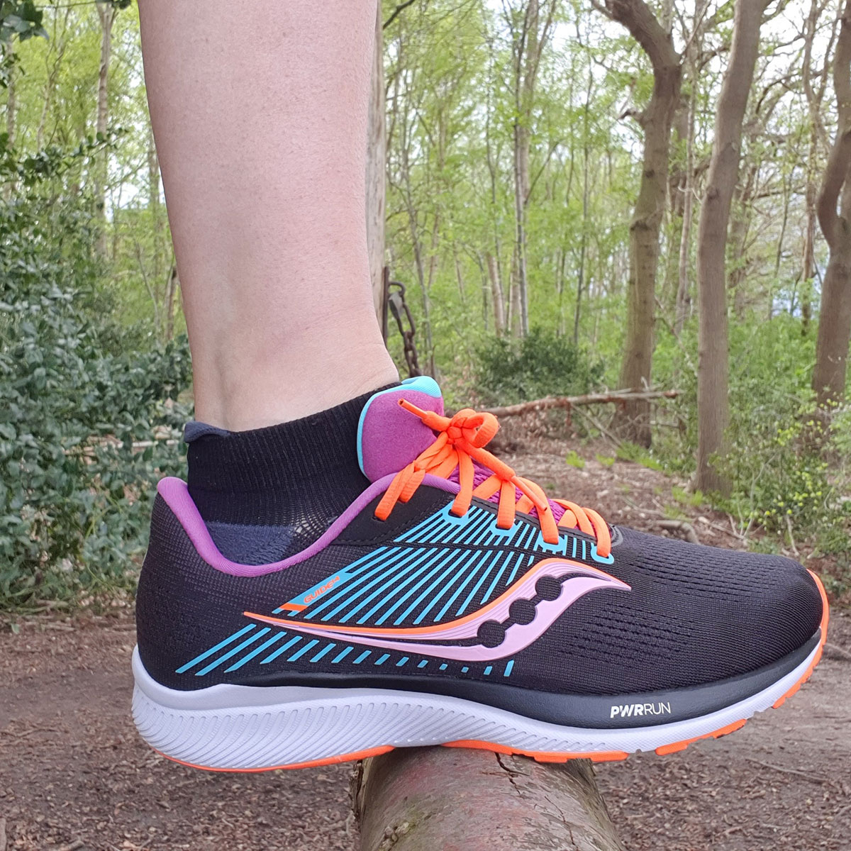 Review Saucony Guide 14